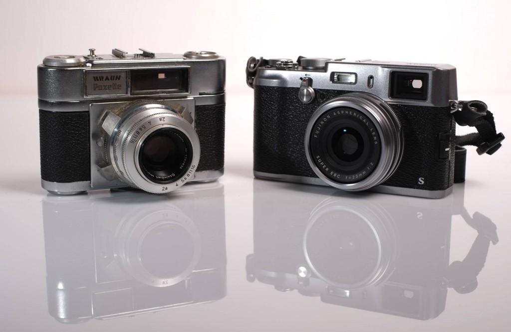 Die Braun Paxette meines Vaters (links), rechts meine Fuji X100S (c)2014 Thomas Hümmler – München · Grafing