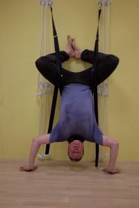 Thomas Hümmler beim Yoga