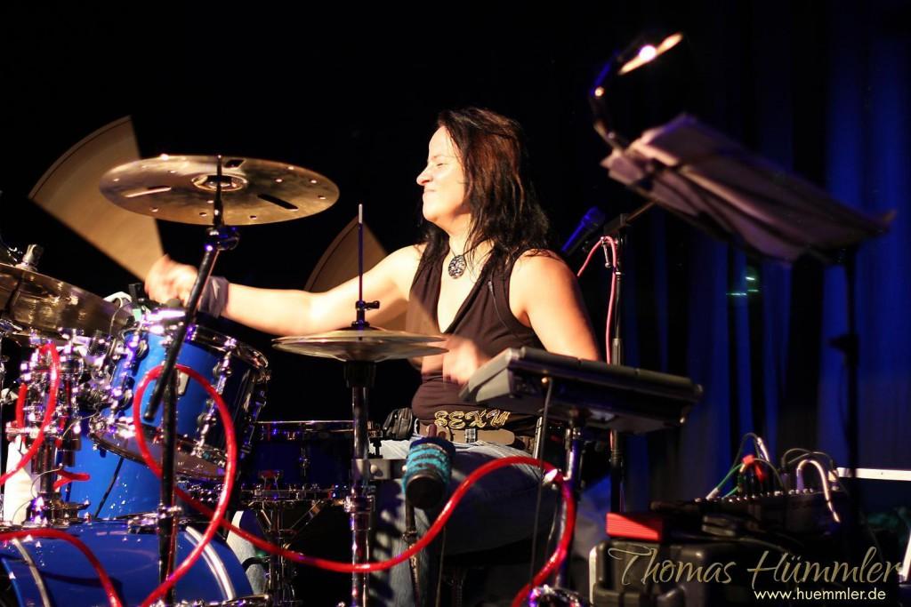 Carola Grey bei einem Konzert im Alten Kino in Ebersberg - (c)2015 Thomas Hümmler – München · Grafing